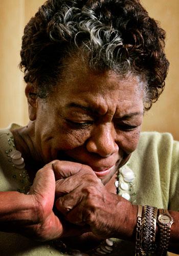 Legendary poet, author, activist Maya Angelou dies at 86