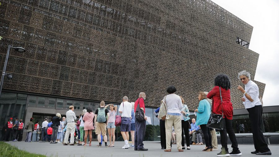 The line to enter the Smithsonian National Museum of African American History and Cultural on the National Mall in Washington. Smithsonian Secretary David Skorton said in a statement that a noose was found on Wednesday, May 31, in the Segregation Gallery of the museum. (AP Photo/Pablo Martinez Monsivais, File)