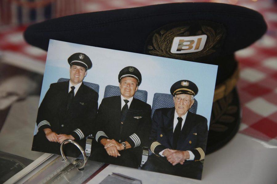 Braniff+pilots