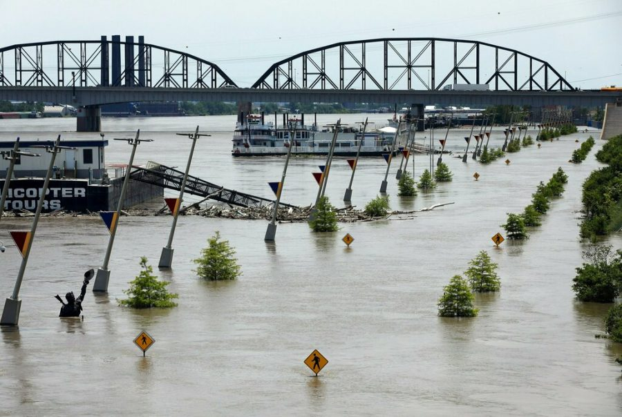 Water+from+the+Mississippi+River+floods+Leonor+K.+Sullivan+Boulevard%2C+Saturday%2C+in+St.+Louis.+The+Mississippi+River+is+expected+to+rise+several+more+feet+by+midweek.