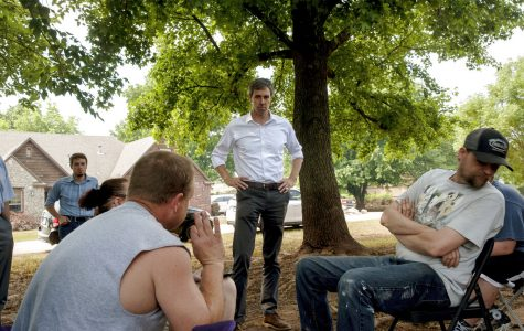 Presidential candidate Beto O'Rourke tours Oklahoma areas damaged by floods