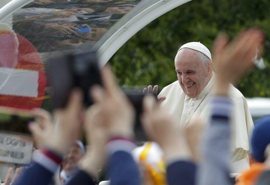 APTOPIX+Romania+Pope