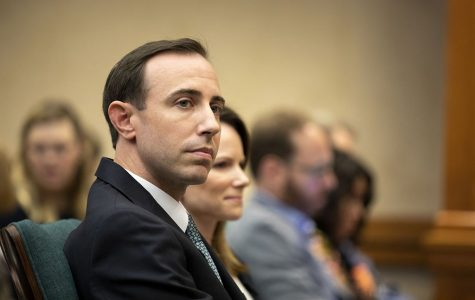 Whitley back in governor's office after resignation