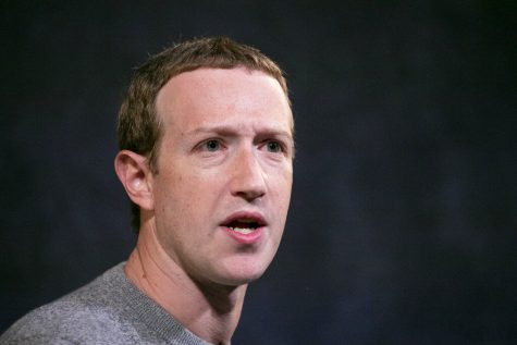 Facebook employees are tweeting their frustration over CEO Mark Zuckerberg
